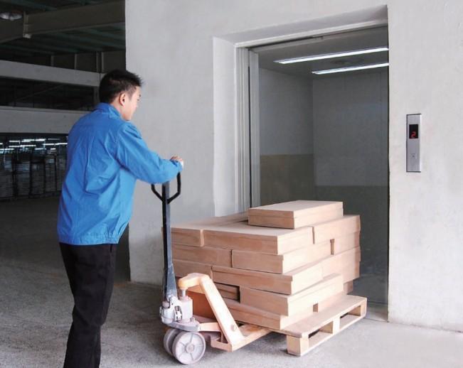 Thang máy tải hàng có trọng tải 500kg